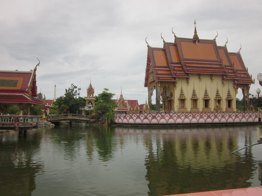 Temples at Wat Plai Laem