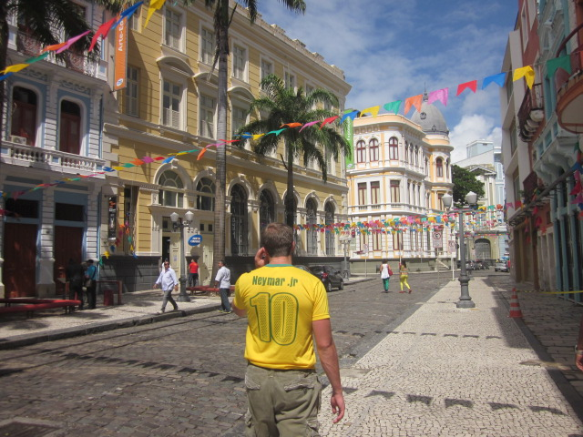 A walk through Recife Antigo, old Recife...the historical quarter of town.  Pay no regard to the rather glaring misplacement of the period on Doug's shirt.  There is a reason why they went for $4!