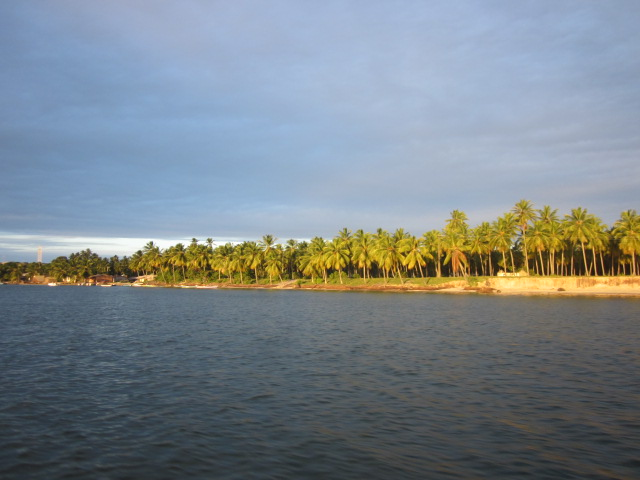 Approaching the banks of Mangue Seco